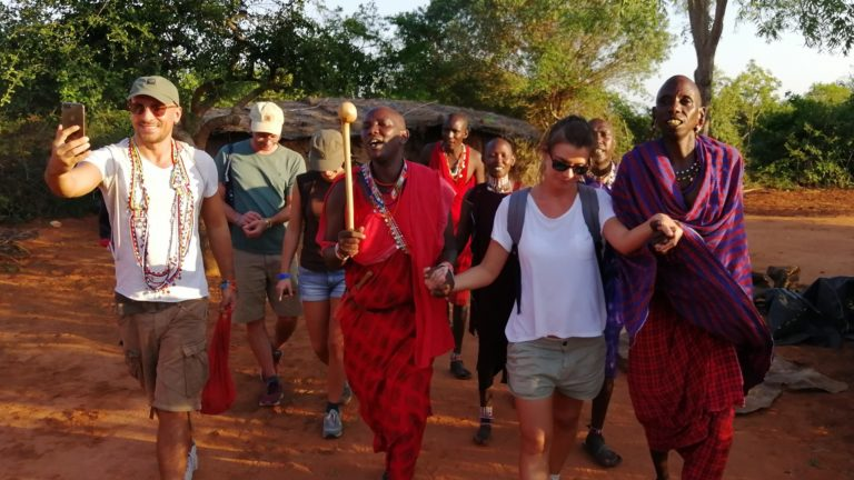 Masai Village Safari 1 Day Tsavo East Safari 1 Tage Tsavo Ost